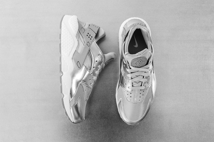 """Nike Womens Air Huarache """"Metallic Silver"""""""