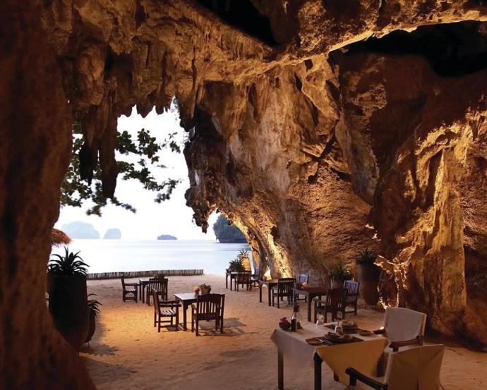 restaurants-with-eyecandy-ngorongoro-cave-dining
