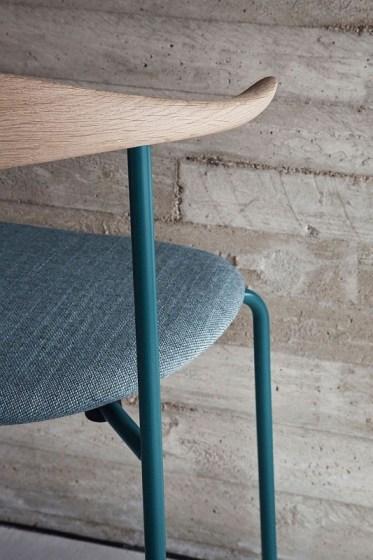 thumbs_55703-CH88-Carl-Hansen-Hans-Wegner-milan-furniture-fair-2015.jpg.0x1064_q91_crop_sharpen
