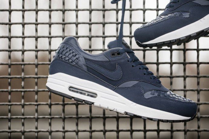 nike-air-max-1-woven-black-navy-02-960x640