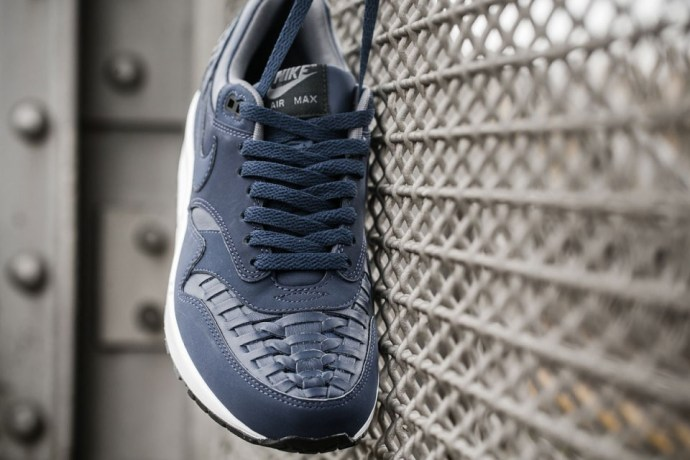 nike-air-max-1-woven-black-navy-03-960x640