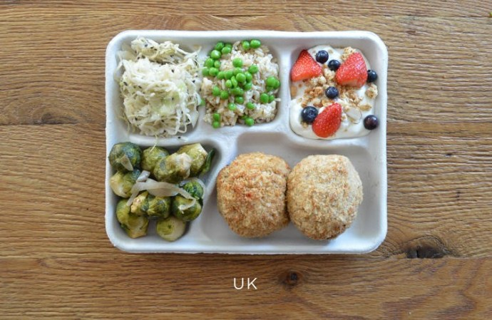 3042318-slide-s-11-heres-what-school-lunches-look-like-uk