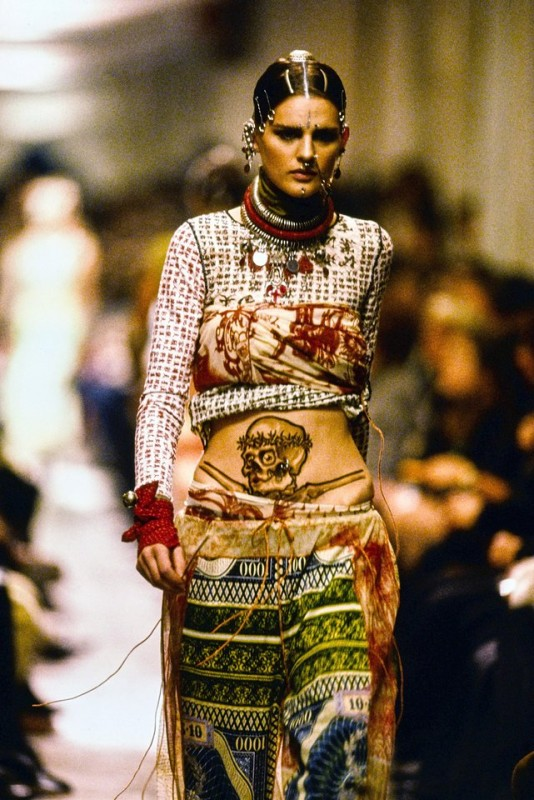 history-of-tattoos-on-the-runway-02
