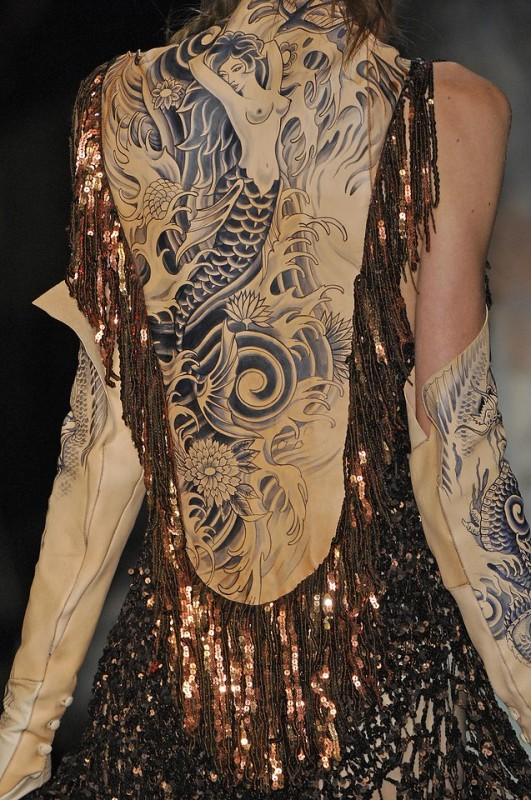 history-of-tattoos-on-the-runway-03