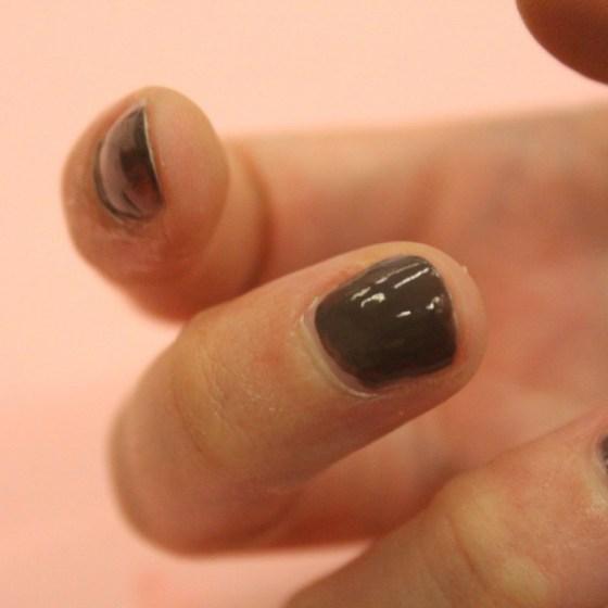 1449075812-syn-svn-1449065092-syn-cos-1448923411-vaseline-nail-polish-3