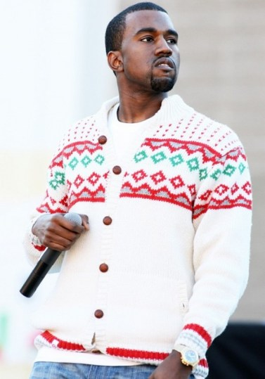 the-top-5-celebrity-ugly-christmas-sweater-moments-1591363-1449775416.640x0c