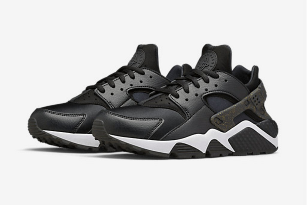 nike-wmns-air-huarache-super-bowl-50-2