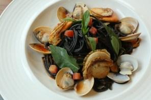 揮別冬季,Roots Café 推出最清爽開胃的美食佳餚,現在預約還能再享7折優惠