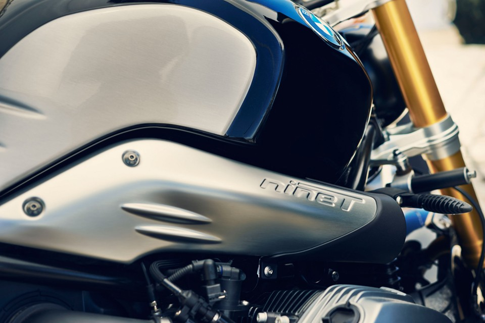 BMW-R-nineT-90th-Anniversary-Motorcycle-04