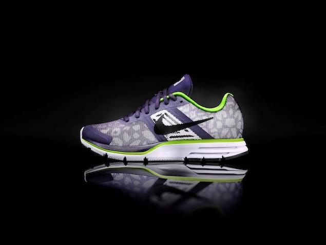 Wmns Nike Air Pegasus 30 Shield NT$3800 (1)