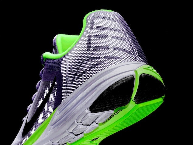 Wmns Nike Zoom Structure Triax 17 Shield NT$3900 (2)