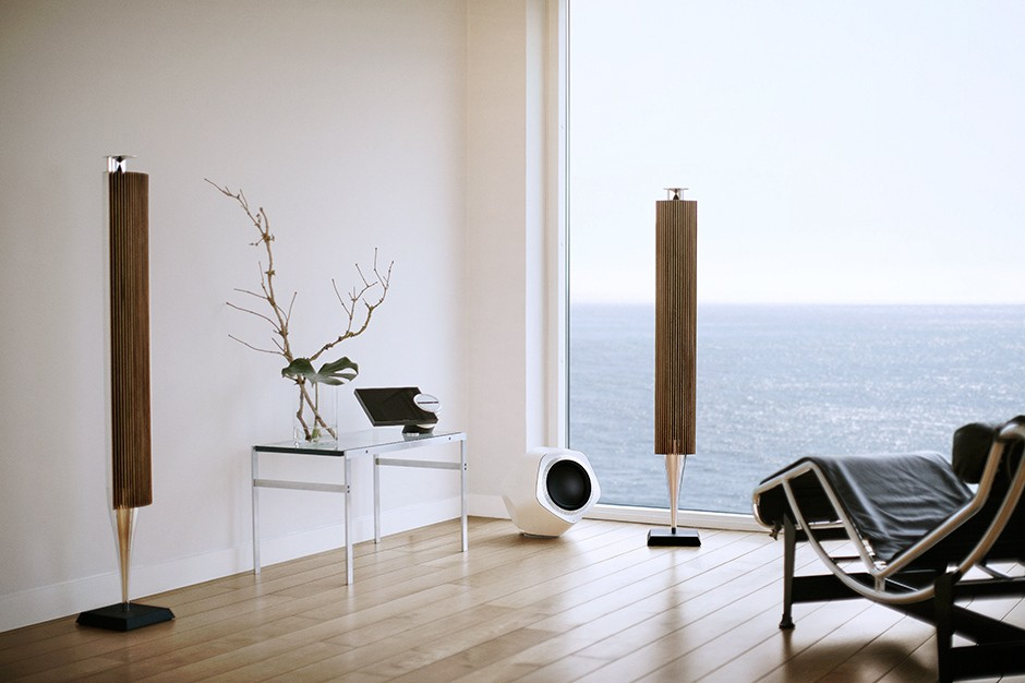 bang-olufsen-beolab-wireless-speakers-and-subwoofer-03