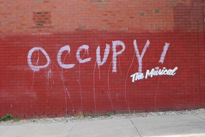 banksy-gives-new-york-graffiti-a-broadway-makeover-1