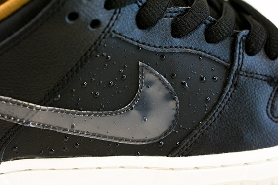 nike-sb-dunk-low-black-rain-4