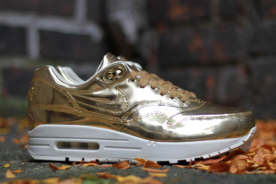 nike-wmns-air-max-1-liquid-gold-1
