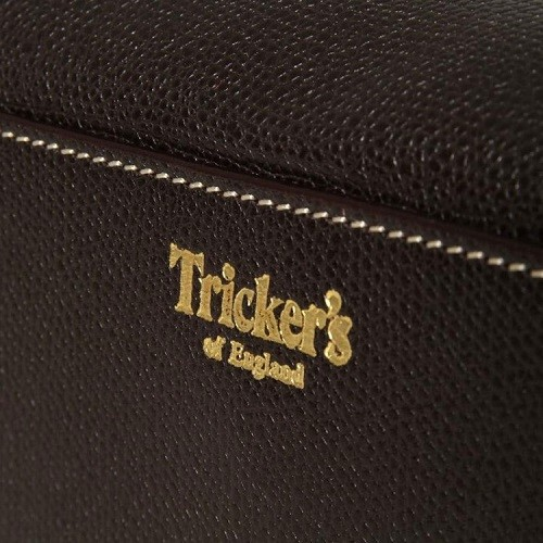 trickers-travel-kit-53214-750x750