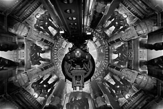 《鋼鐵人3》地下裝甲庫設計首度曝光