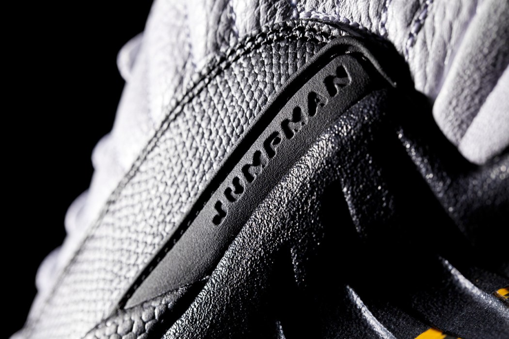 a-closer-look-at-the-air-jordan-12-retro-taxi-4