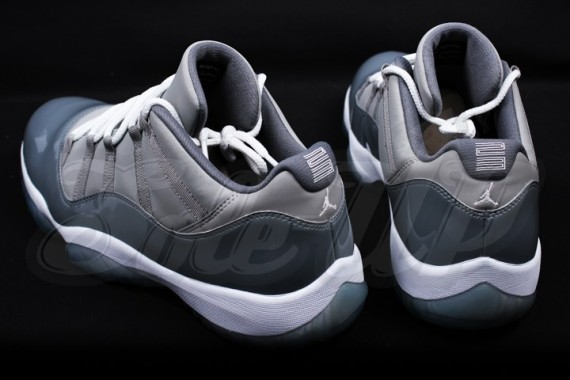 air-jordan-11-low-cool-grey-4