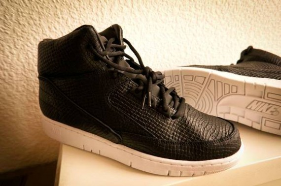 dover-st-market-nike-air-python-5