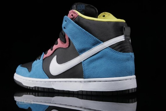 nike-sb-dunk-high-blue-hero-3