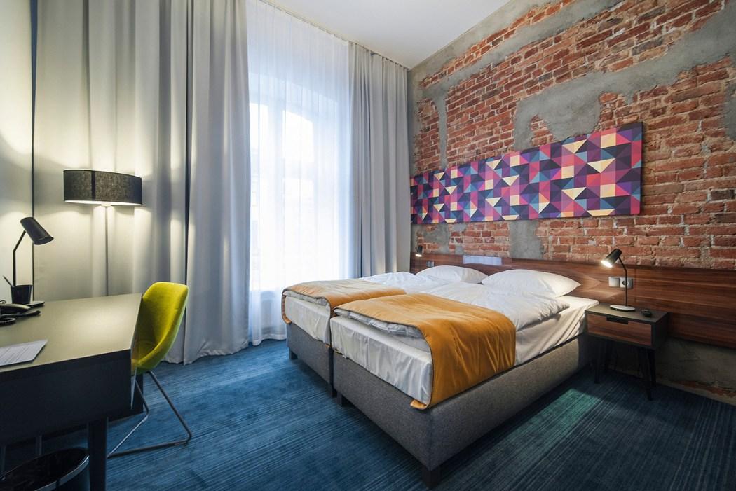 polands-tobaco-hotel-by-ec-5-10