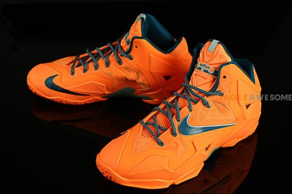 nike lebron-11-atomic-orange-2