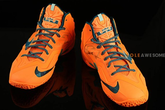 nike lebron-11-atomic-orange-3