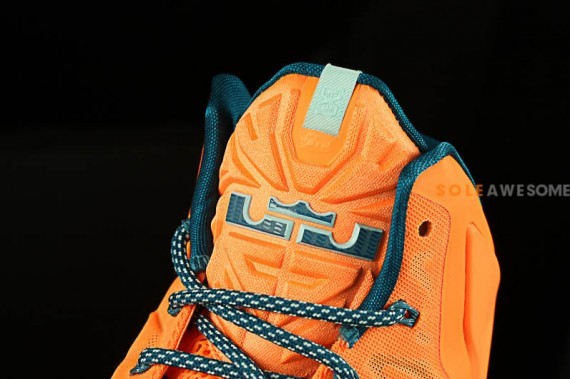 nike lebron-11-atomic-orange-6