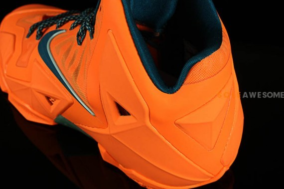 nike lebron-11-atomic-orange-8