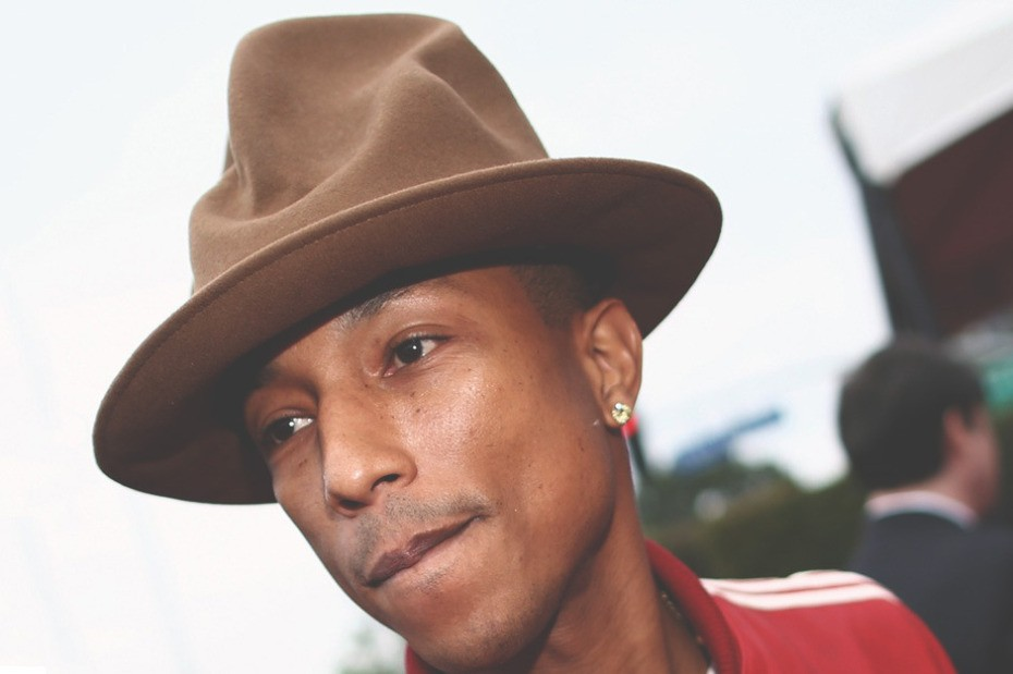 pharrell-williams-grammys-hat-from-vivienne-westwoods-1982-collection-1