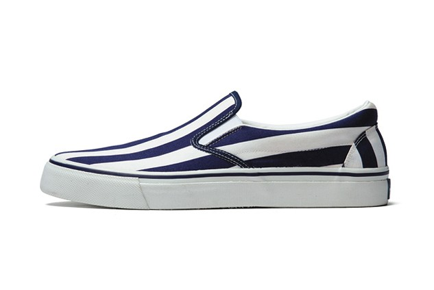 uniform-experiment-2014-spring-summer-slip-on-shoes-2