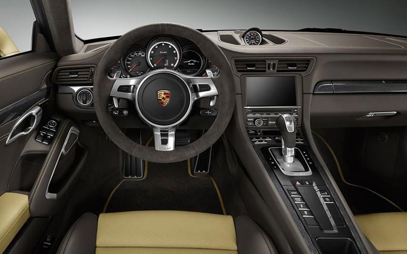 Porsche-911-Turbo-2014Lime-Gold_P4-