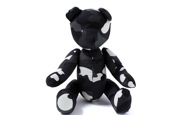 a-bathing-ape-city-camo-teddy-bear-1