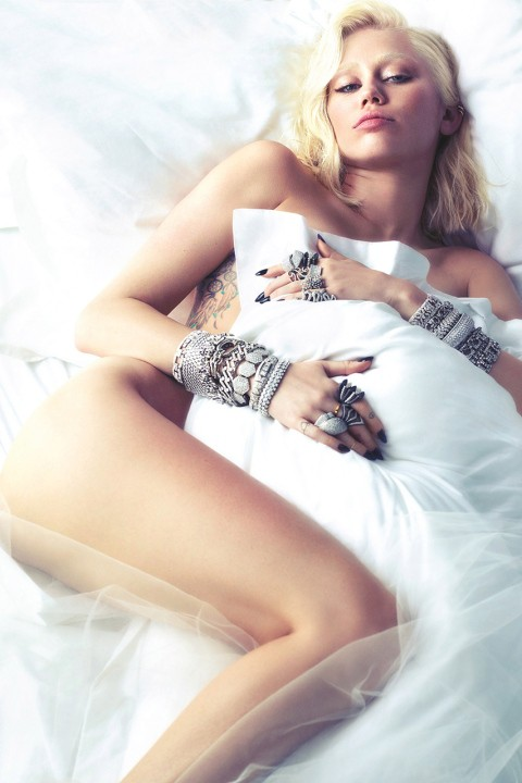 miley-cyrus-by-mert-marcus-for-w-magazine-1