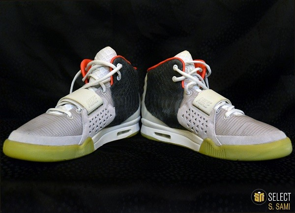 sn-select-nike-air-yeezy-2-sample-platinum-black-5