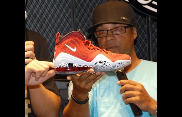 sneaker complex 10