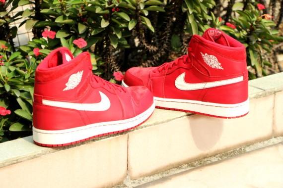 Air-Jordan-1-Retro-High-OG-Gym-Red-4