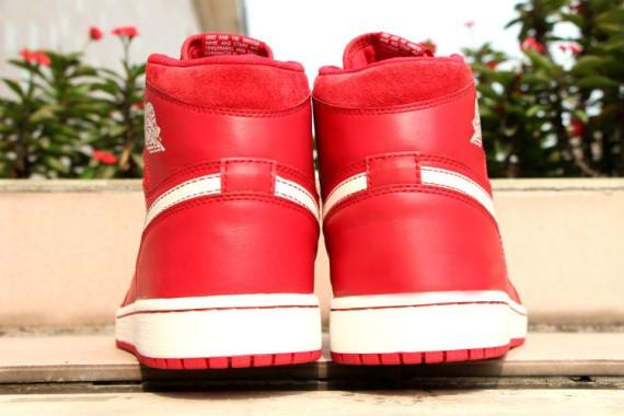 Air-Jordan-1-Retro-High-OG-Gym-Red-6
