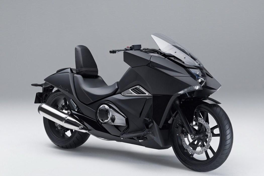honda-unveils-nm04-series-motorcycles-2