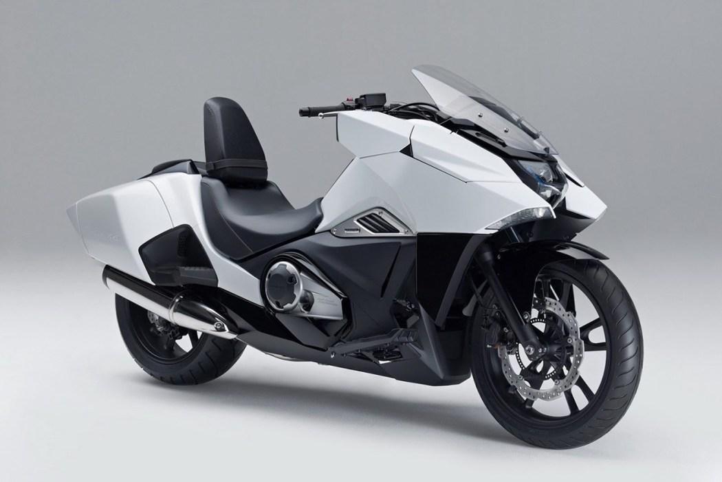 honda-unveils-nm04-series-motorcycles-3