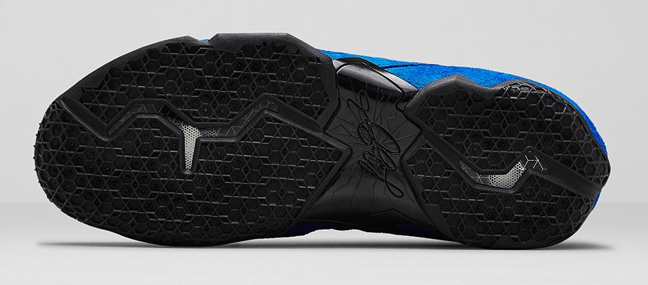 nike-lebron-11-ext-blue-suede-4