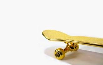shut-nyc-gold-plated-skateboard-2