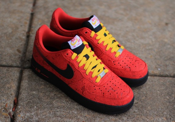 nike-air-force-1-low-university-red-paisley-1