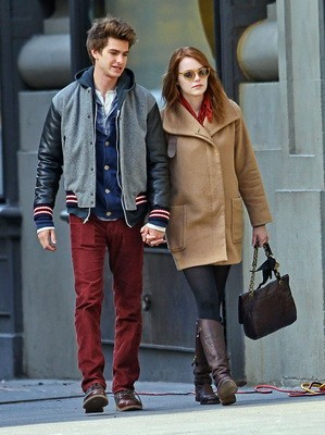 Emma Stone And Andrew Garfield Holding Hands In New York