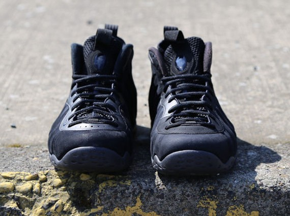 nike-foamposite-one-black-suede-5
