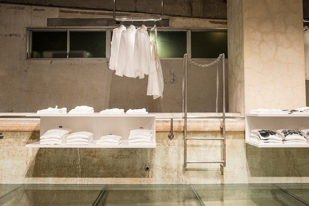 take-a-look-inside-hiroshi-fujiwaras-the-pool-aoyama-2