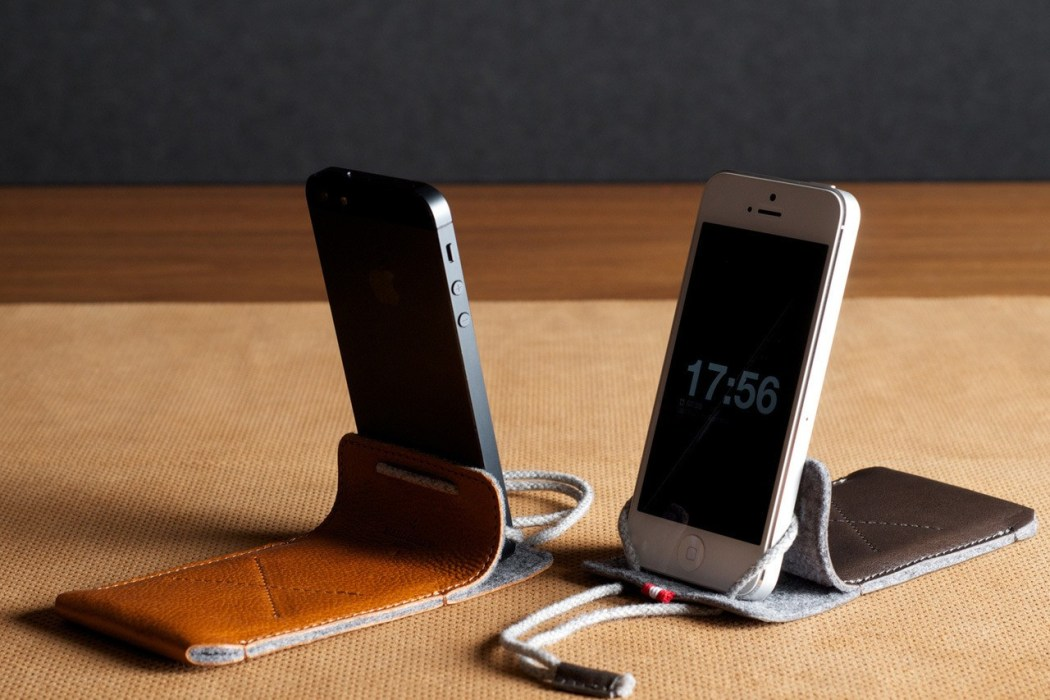hard-graft-draw-iphone-case-stand-2