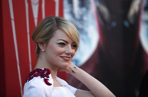 adaymag-things-we-didn-t-know-about-emma-stone-01-830x547