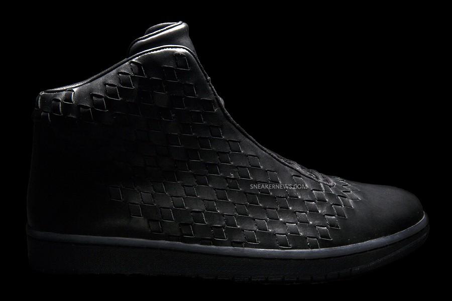 jordan-shine-black-3